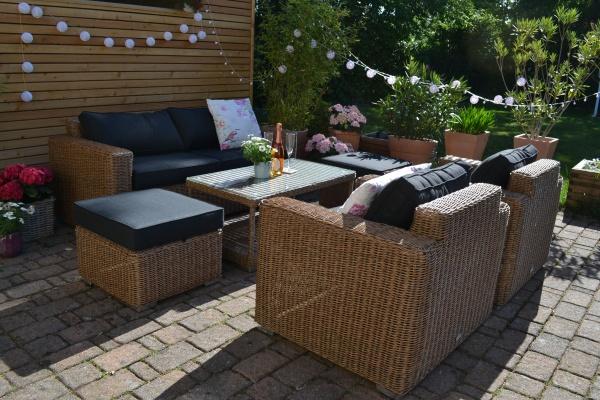 Exklusive Loungegruppe Provence NATUR Polster anthrazit (Sofa, 2 Sessel, 2 Hocker und Tisch)