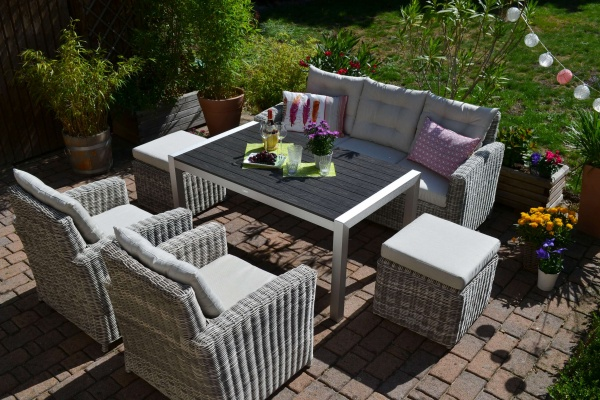Sofagarnitur Manhattan sand-grau, Polster beige - 3 Sitzer Sofa + Tisch Miami + 2 Sessel + 2 Hocker