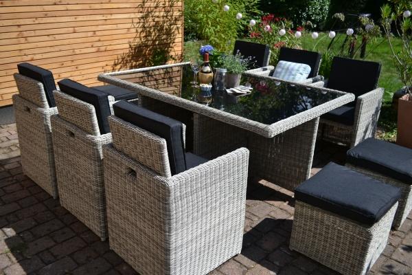 Toscana XL sand-grau natur - Polster anthrazit (Tisch, 6 Sessel + 3 Hocker)